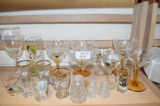 MIXED LOT OF 20TH CENTURY GLASS WARES