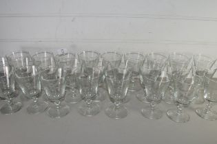 COLLECTION OF LARGE QTY 20TH CENTURY CLEAR WINE GLASSES