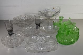 MIXED LOT COMPRISING A GREEN GLASS DRESSING TABLE SET, GLASS BOWLS AND DISHES