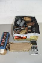BOX OF VARIOUS VINTAGE ELECTRIC VALVES TO INCLUDE MAZDA AND MULLARD