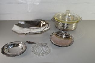 MIXED LOT SILVER PLATED WARES COMPRISING TRAY WITH PRESENTATION INSCRIPTION FROM CHESHIRE COUNTY