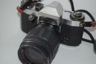 Praktica PL Nova 1B film camera together with case and manual