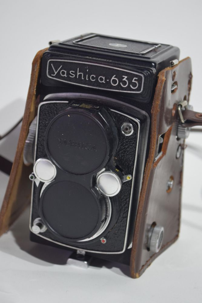 Cameras & Photographic Equipment