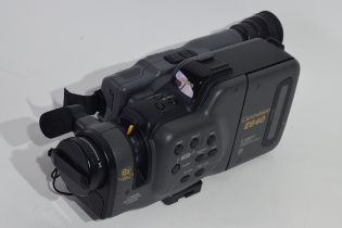 Canon Canovision E640 8mm video camera and recorder together with leads and a case