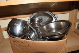 BOX OF STEEL KITCHEN WARES TO INCLUDE OLD HALL