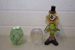 MURANO GLASS CLOWN TOGETHER WITH A PAPERWEIGHT FORMED AS AN OWL AND ANOTHER PAPERWEIGHT WITH SWIRLED