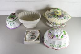 FOUR MIXED JELLY MOULDS AND A BOXED WEDGWOOD PIN DISH AND A ROYAL DOULTON VEGETABLE DISH AND AN