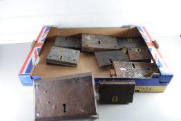 BOX OF VINTAGE DOOR LOCKS