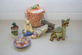 MIXED LOT OF CERAMICS COMPRISING AN IMARI RING TREE, A YARE POTTERY DRAGON, KLOW POTTERY GOAT,