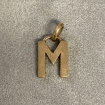 """9ct gold pendent """"M"""" , Gucci , 4 g"""