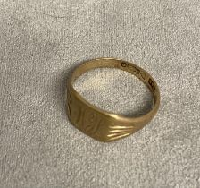 Gents 9 ct gold signet ring, 4.5 g, size B