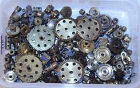 Collection of Meccano gears and other brassware, some tarnishing, overall (G)