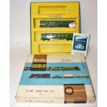 Hornby Dublo 2250 Suburban electric train set, 2-rail, comprising 2-car EMU green, motor coach has