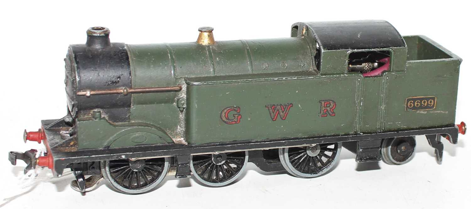 Hornby Dublo EDL7 0-6-2 Tank Loco, GWR Green 6699, horseshoe motor, dull appearance and would