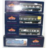 A Bachmann diesel locomotive and carriage group, four boxed examples to include a No. 32-525