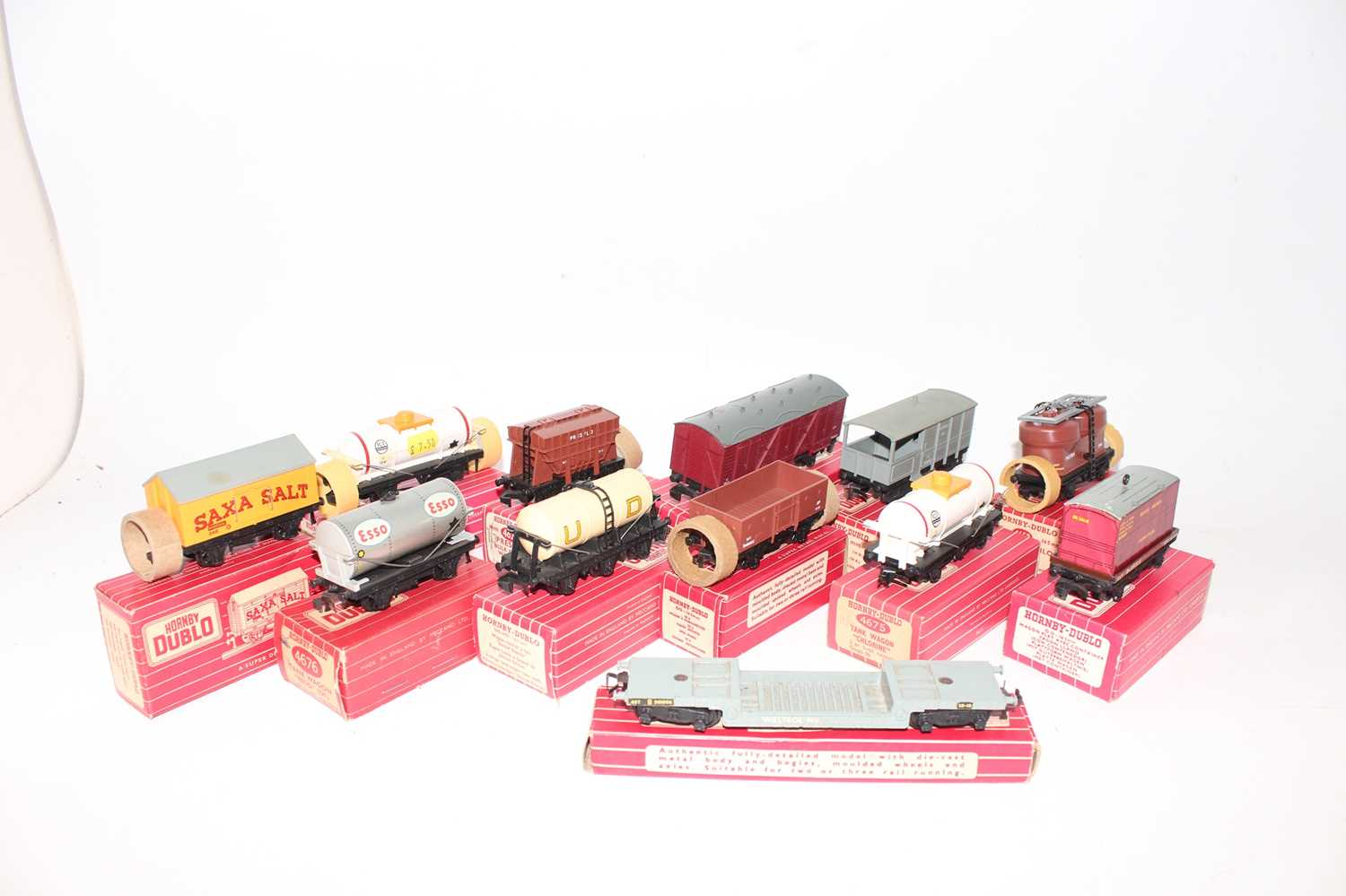 Twelve Hornby-Dublo plastic wheeled wagons, all (E-NM) boxes generally (BVG-E): one each 4305, 4605, - Image 2 of 2