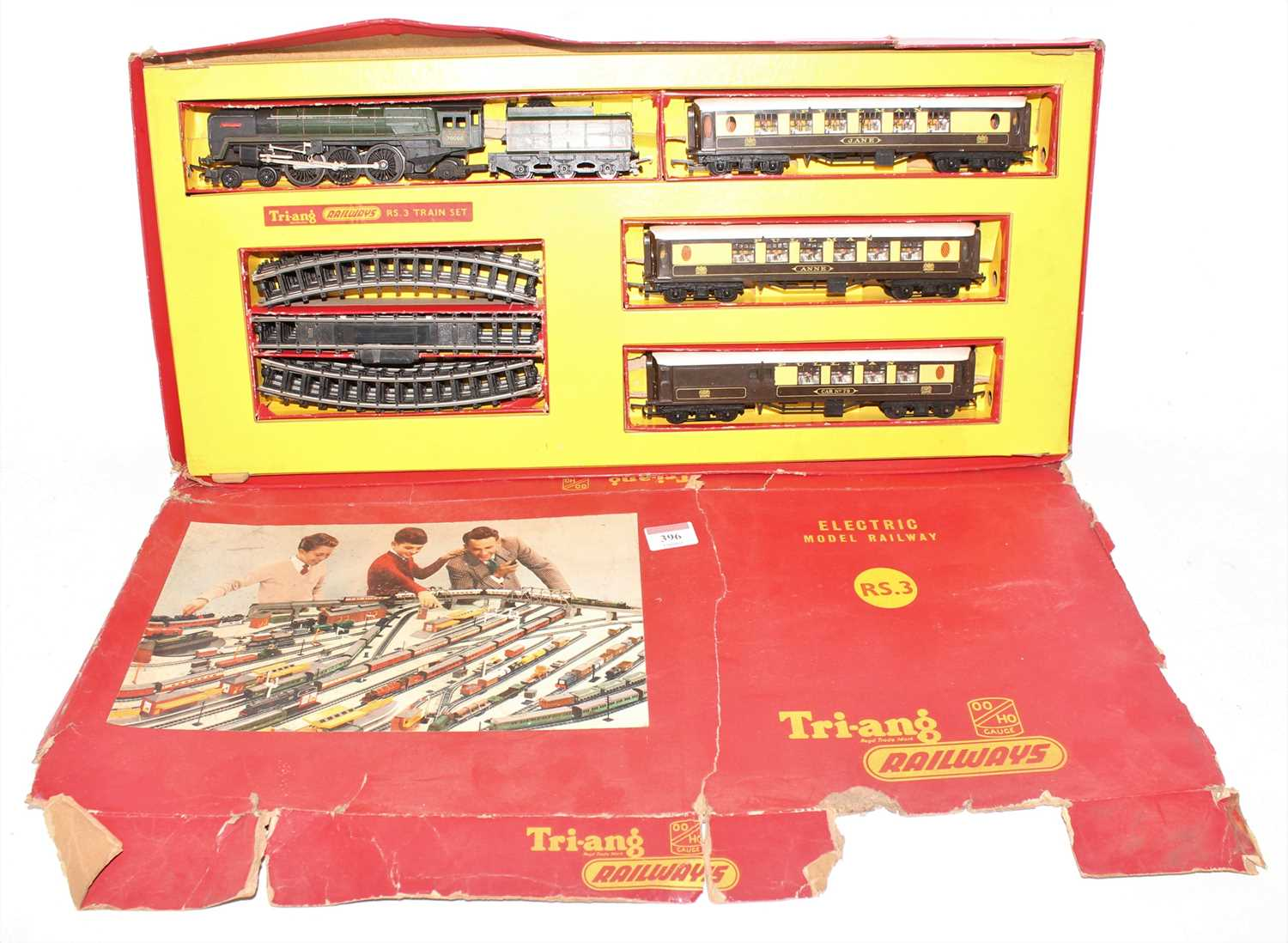 Triang RS3 Train Set, comprising Britannia Loco 70000 and tender, with 3 Pullman coaches, and