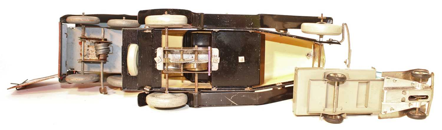 A collection of tinplate mixed commercial and saloons to include a Mettoy No. 15546 Royal Mail - Image 3 of 3