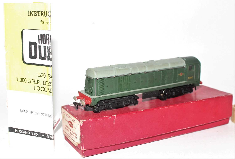 Hornby Dublo 2230 BoBo Diesel Electric 2-Rail Locomotive D8017, Plain red box (NM-BE) - Image 2 of 3