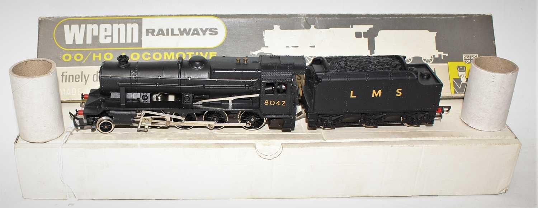 W222540 Wrenn loco & tender 8F 2-8-0 LMS black 8042, numbers & letters thin. (M-BVG) Dublo couplings