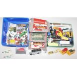 Large box containing mainly 00 Gauge diecast road vehicles, mainly unboxed, 60 in total including
