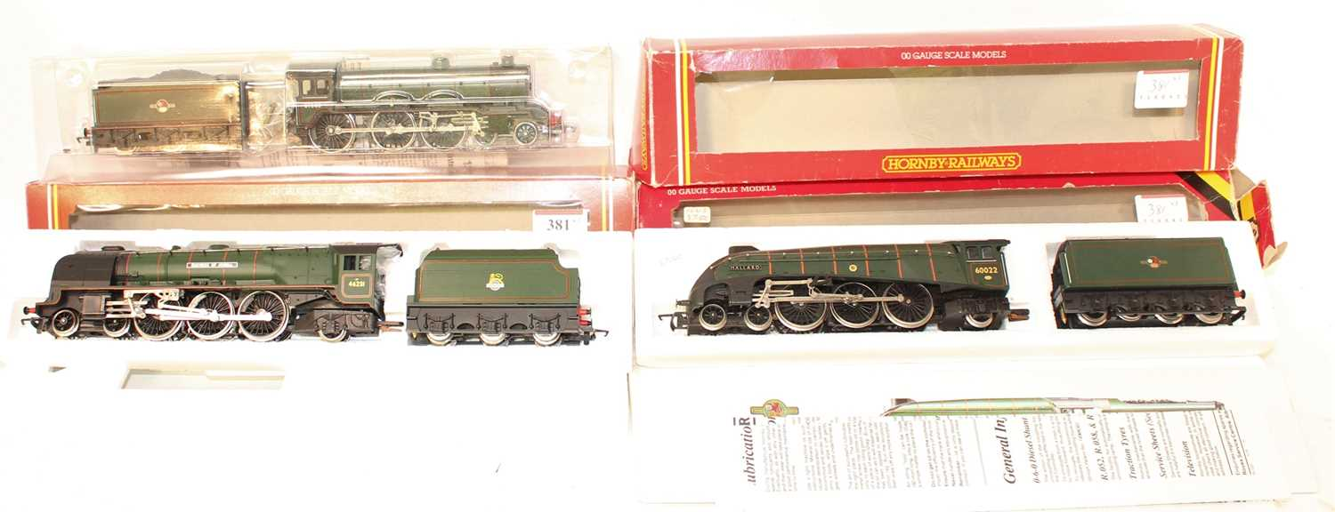 3 Hornby Locomotives and tenders to include R262 Duchess of Atholl, BR Green with alternative name - Image 2 of 3