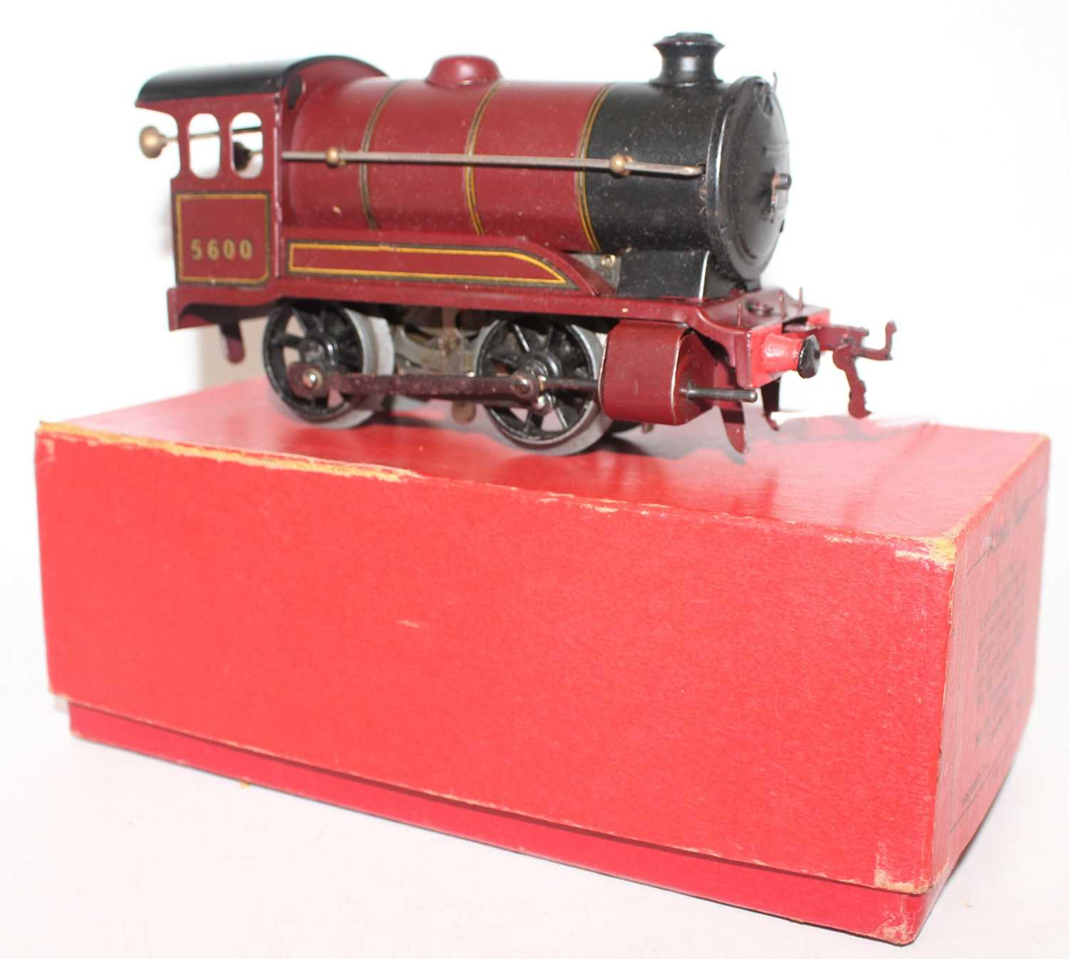 Hornby 1949-54 No.501 Clockwork Loco only, without tender, LMS Red No.5600, Sans Serif (VGNM-BGVG) - Image 2 of 3