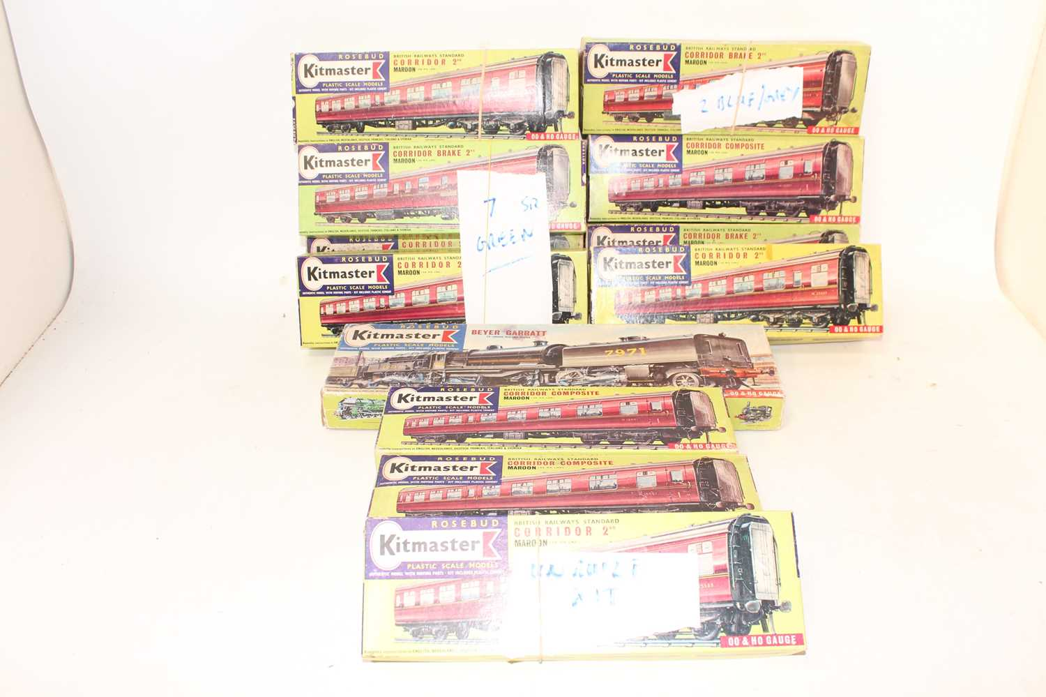 Large tray of Kitmaster items: part built motorised Beyer-Garratt loco LMS 7971, with 22 BR coaches: