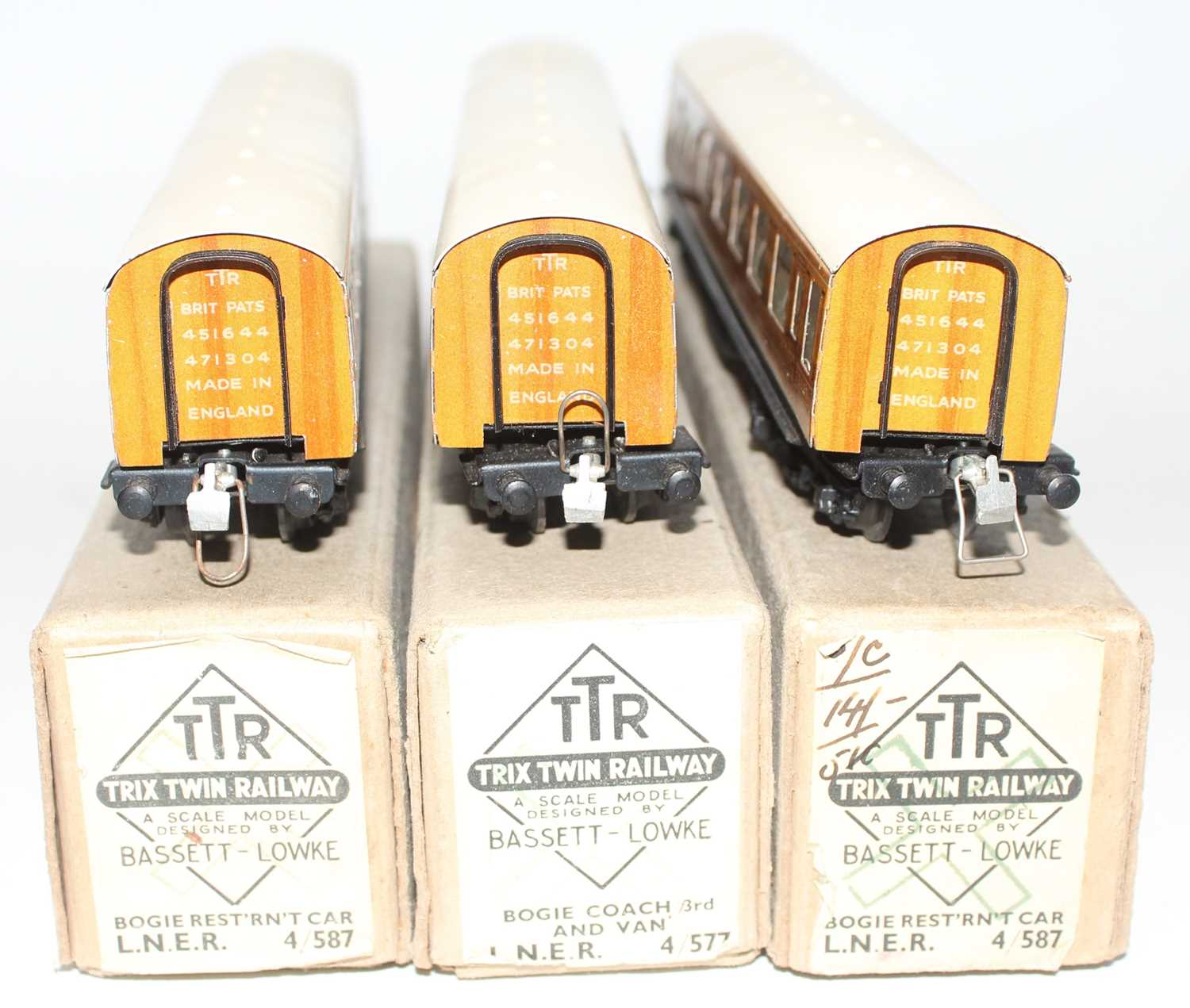Trix Twin Railway Boxed LNER coach group, 3 examples to include 2x No.4/587 LNER Bogie Resturant Car - Image 3 of 3