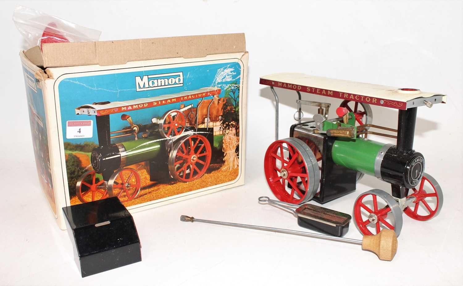 A Mamod TE1A traction engine of usual specification, comprising of green body with red spoked hubs - Image 2 of 2