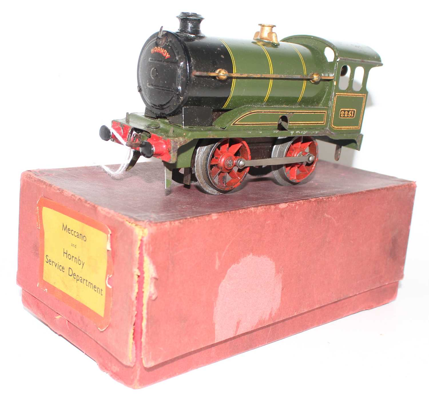 Hornby 1931-35 Clockwork No.0 revised body style 0-4-0 loco only, missing tender, GW Green, No.