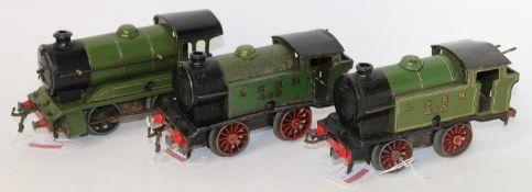 Three Hornby 0-4-0 clockwork LNER green locos: 1948-54 No. 501 1842 missing tender, some dullness (