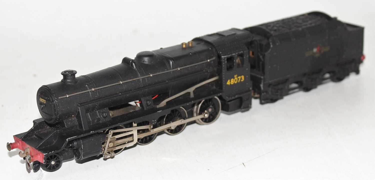 Hornby Dublo 2224 2-rail loco and tender 8F 2-8-0 Freight loco, BR Black 48073, ringfield motor, - Image 3 of 4