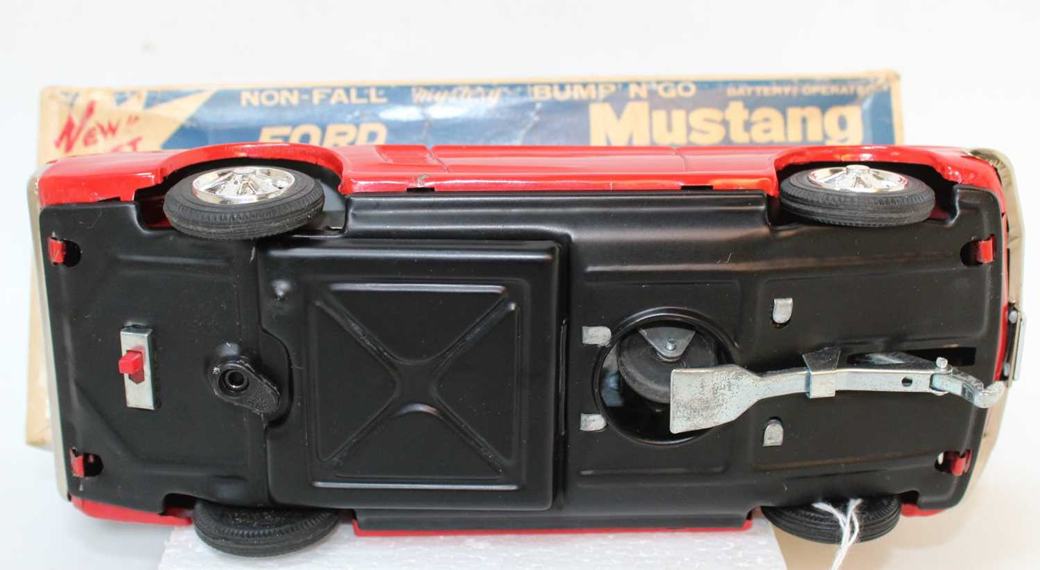 Taiyo Tinplate battery powered Ford Mustang (red) tiny rub mark to roof, very near mint in box. ( - Image 3 of 3