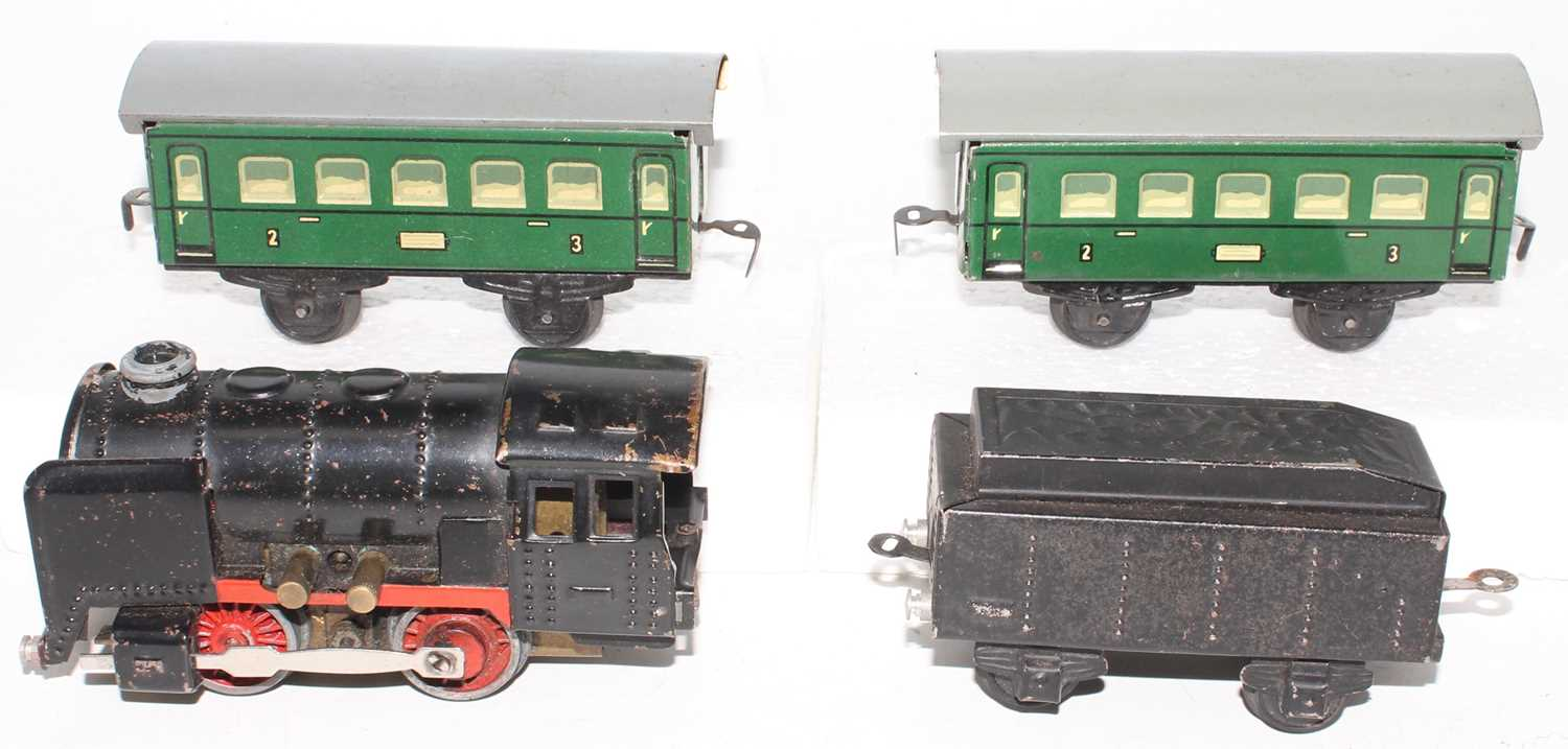 Karl Bub electric train set comprising 0-4-0 loco and tender (black with red wheels and valance), - Image 3 of 3