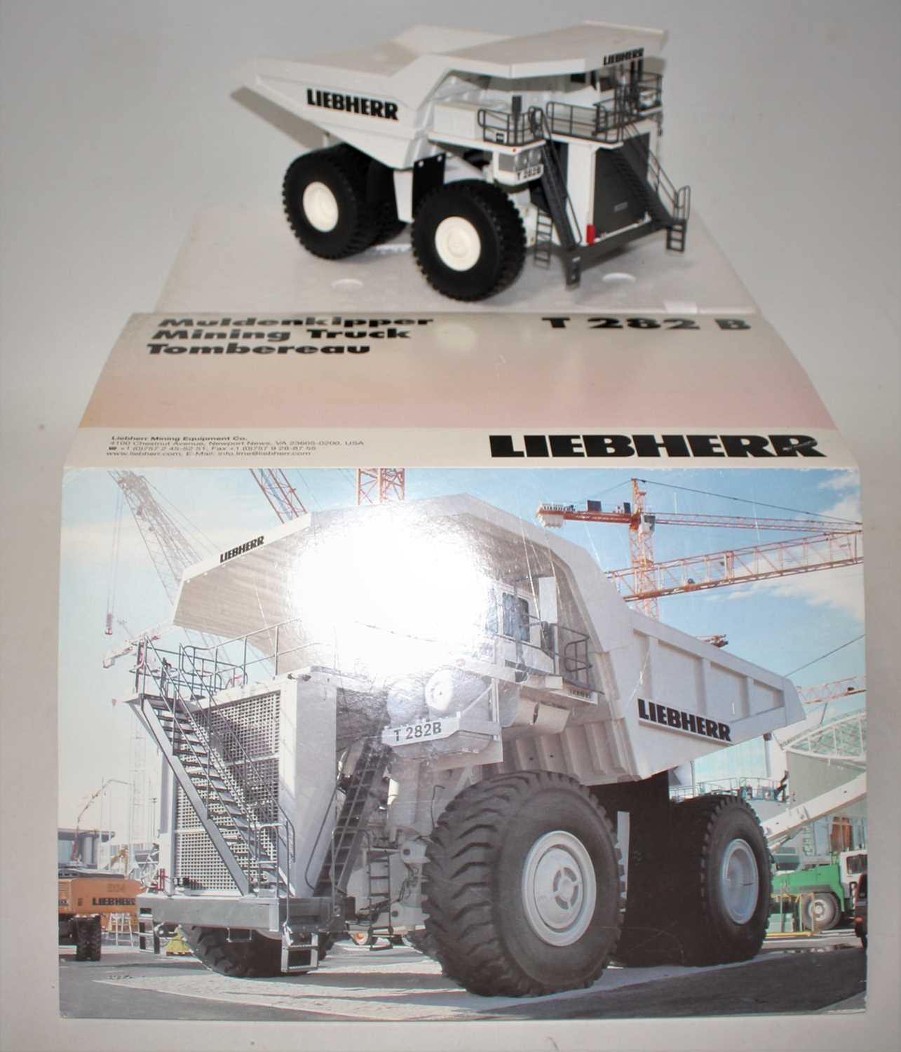A Conrad Model No. 2727/0 1/50 scale diecast model of a Liebherr T282B mining truck, finished in - Image 2 of 2