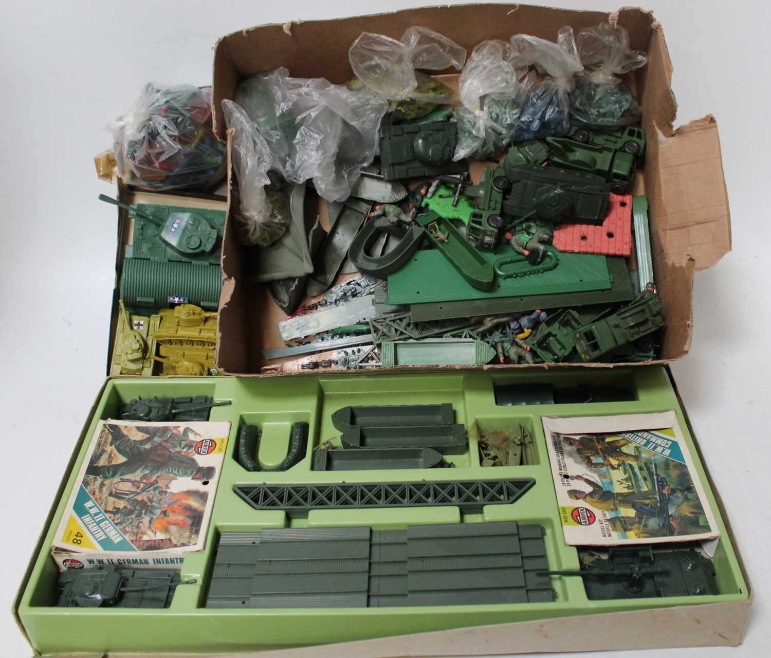 A group of plastic military models unboxed loose items,which include some Triang trucks and a Airfix - Image 2 of 2