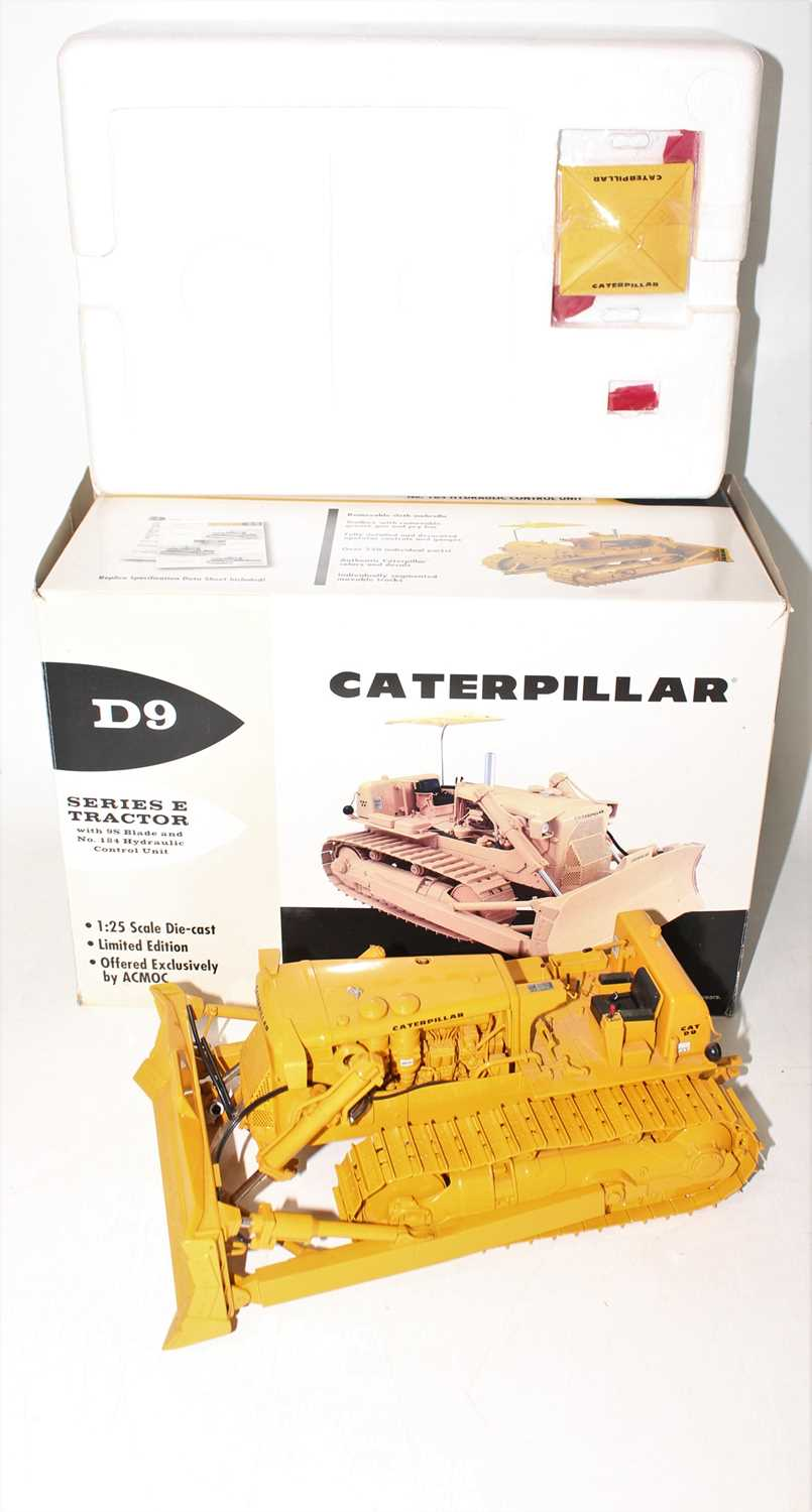 A First Gear Model No. 49-3172, boxed 1/25 scale diecast model of a Caterpillar D9E track type