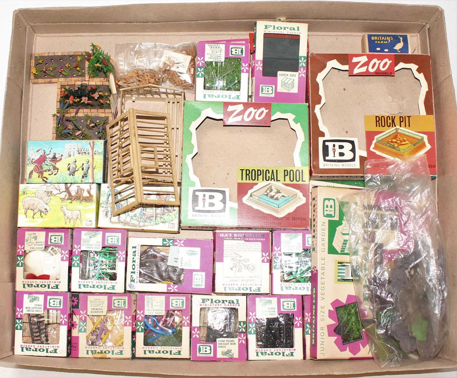 A single owner collection of various Britains floral garden miniatures, mini gift sets and zoo - Image 4 of 4