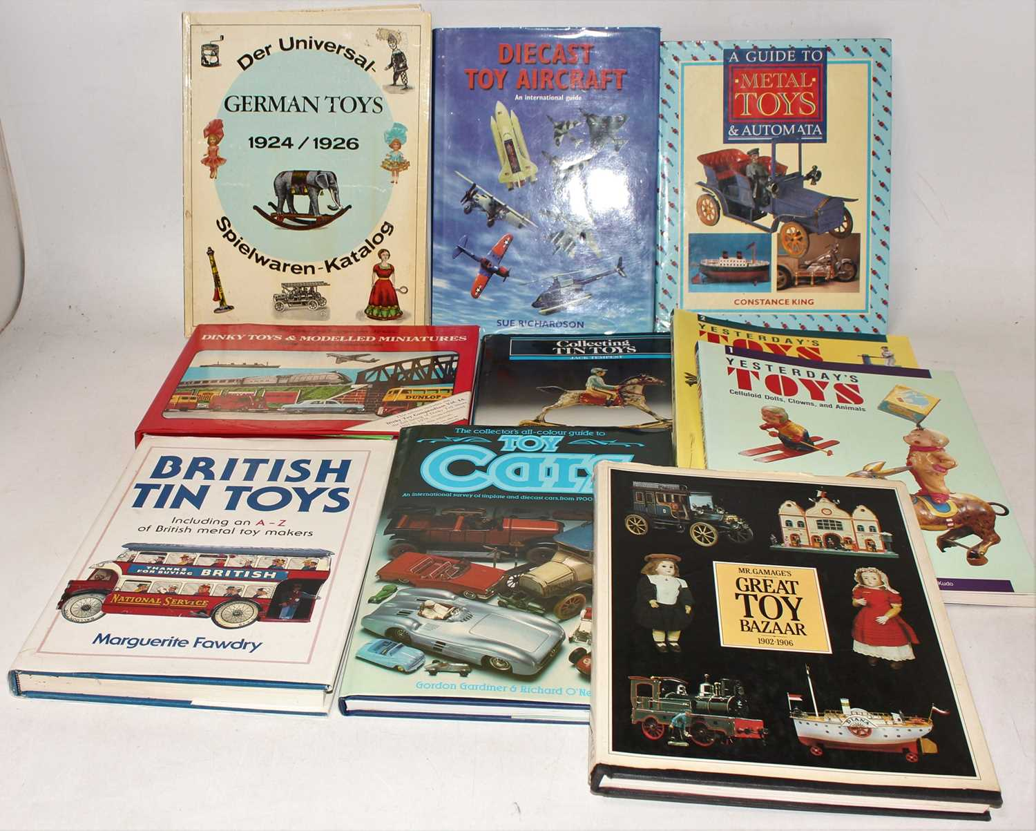 One box containing a quantity of hardback and softback model collecting books to include Diecast Toy - Image 2 of 2