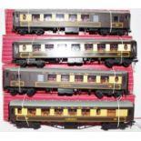 Four Hornby-Dublo Pullman coaches: 4035 Aries; 4036 Car 74; 2 x 4037 Car 79. All (NM-BE)