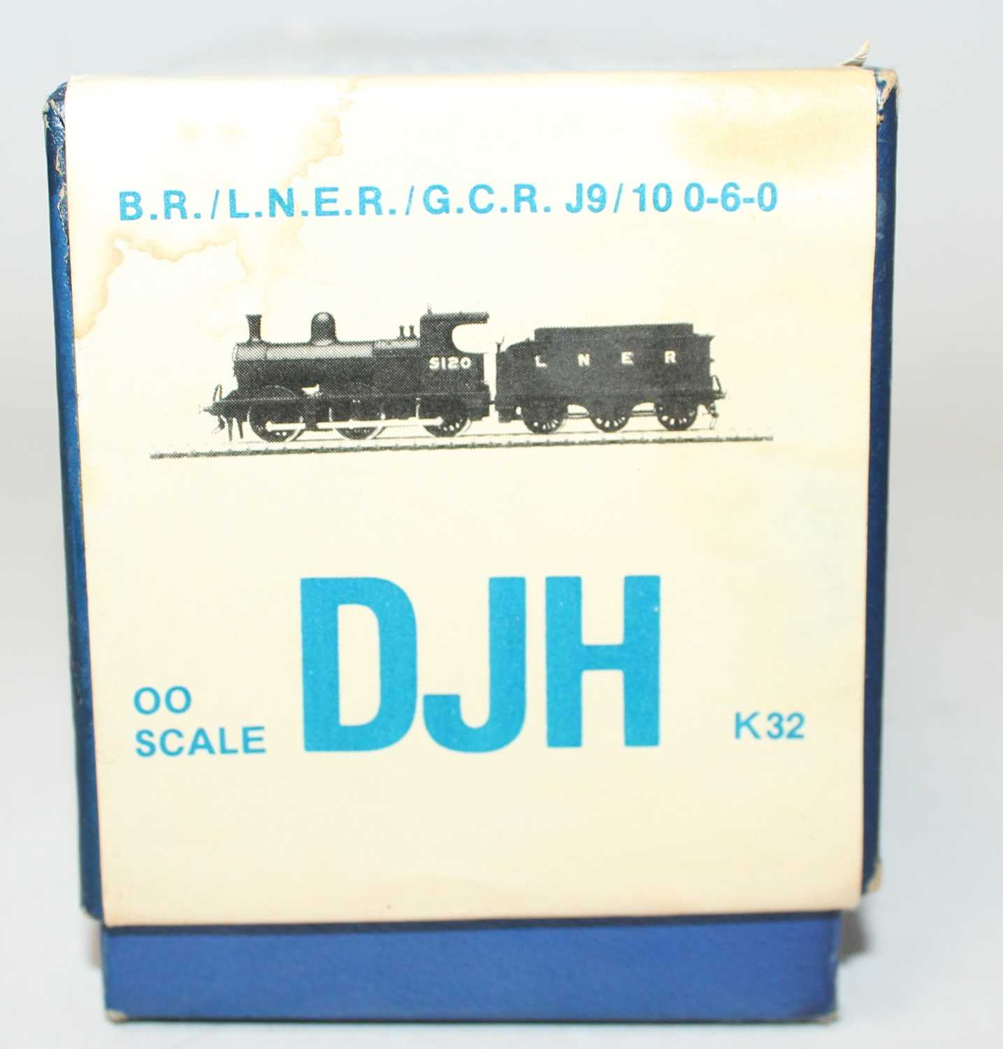 A DJH white metal kit to make a LNER/GCR Class J9/10 0-6-0 locomotive and tender, appears - Image 2 of 2