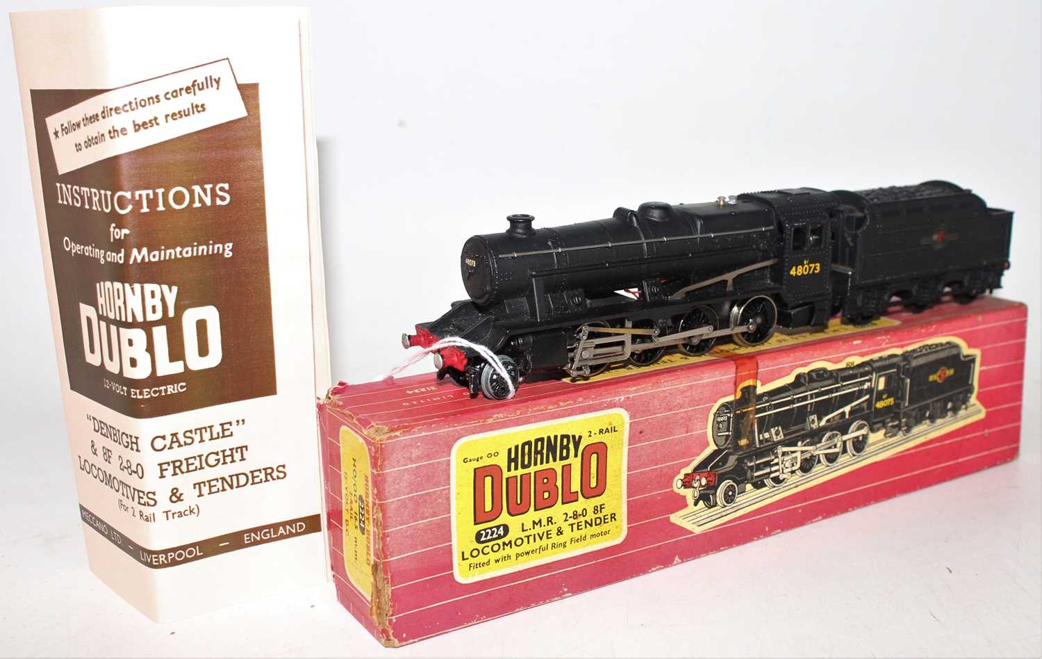 Hornby Dublo 2224 2-rail locomotive and tender 2-8-0 8F freight locomotive, BR 48073, ringfield