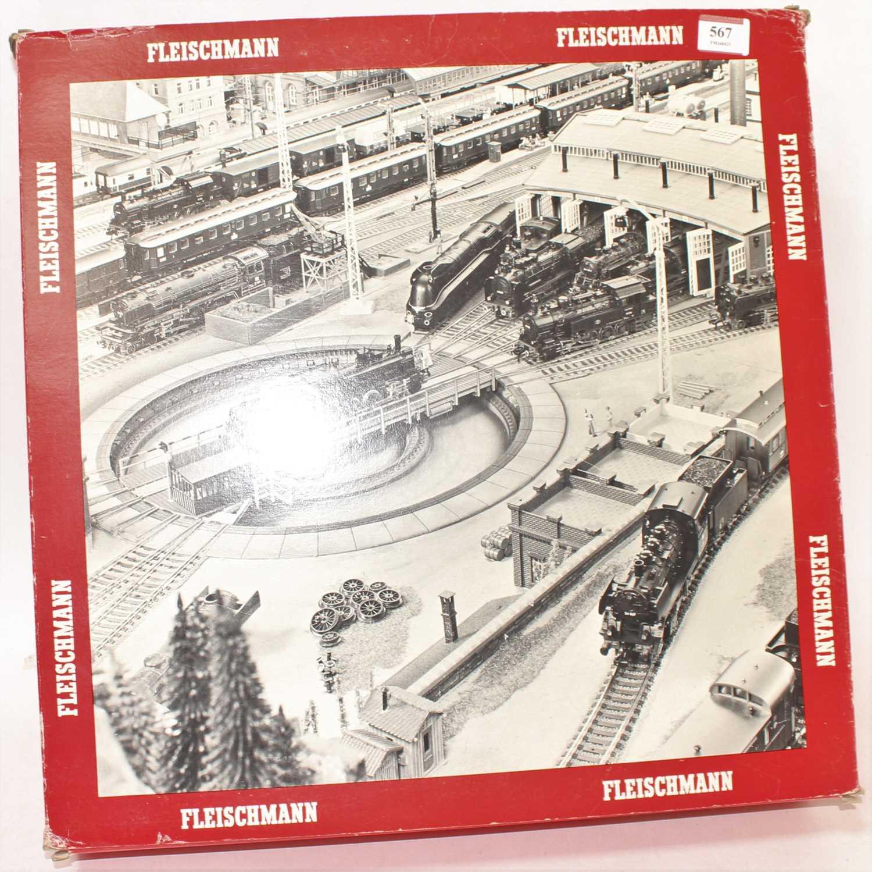 Fleischmann Model 6152 electric turntable, appears unused (M-BVG)