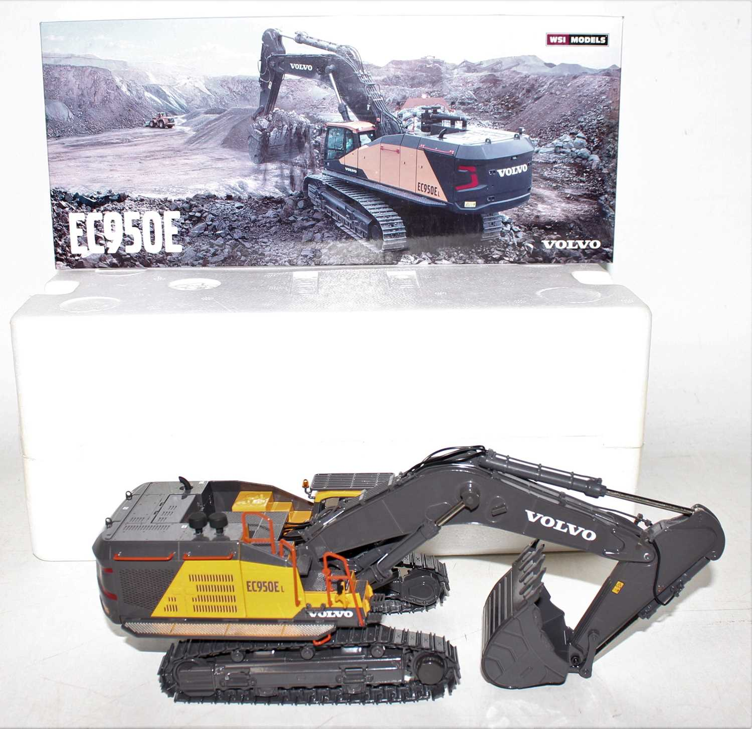 A WSI Models 1/50 scale model No. 61-2001 boxed diecast model of a Volvo EC950E tracked excavator - Image 2 of 2