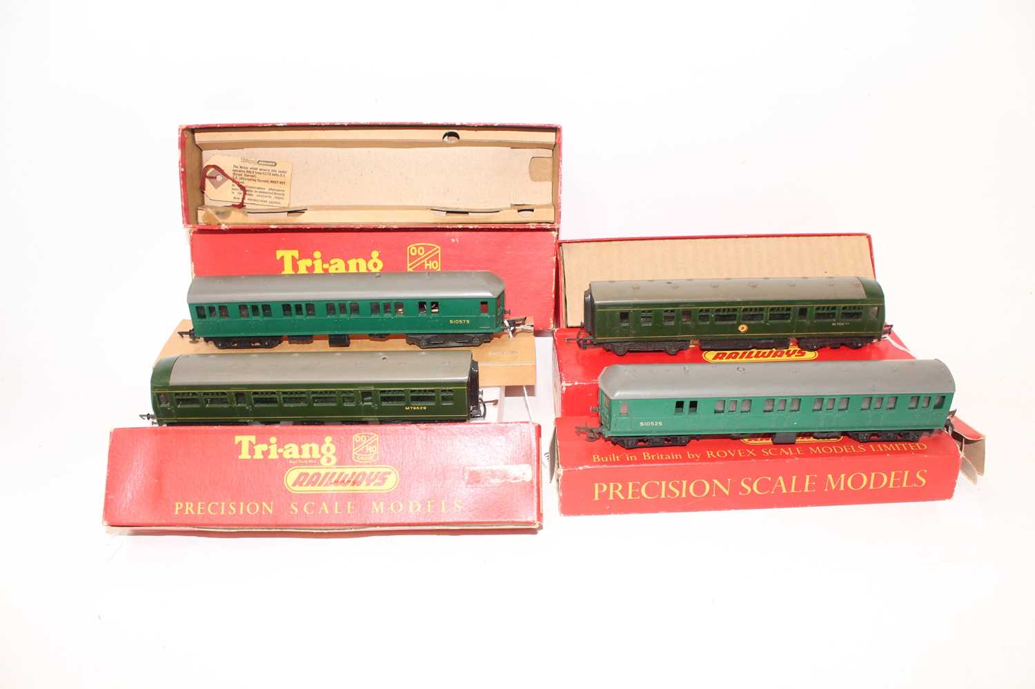 Triang class 4-sub EMU green R156/225 S1052S & S1057S without decals (G-VG) R156 (BE) complete