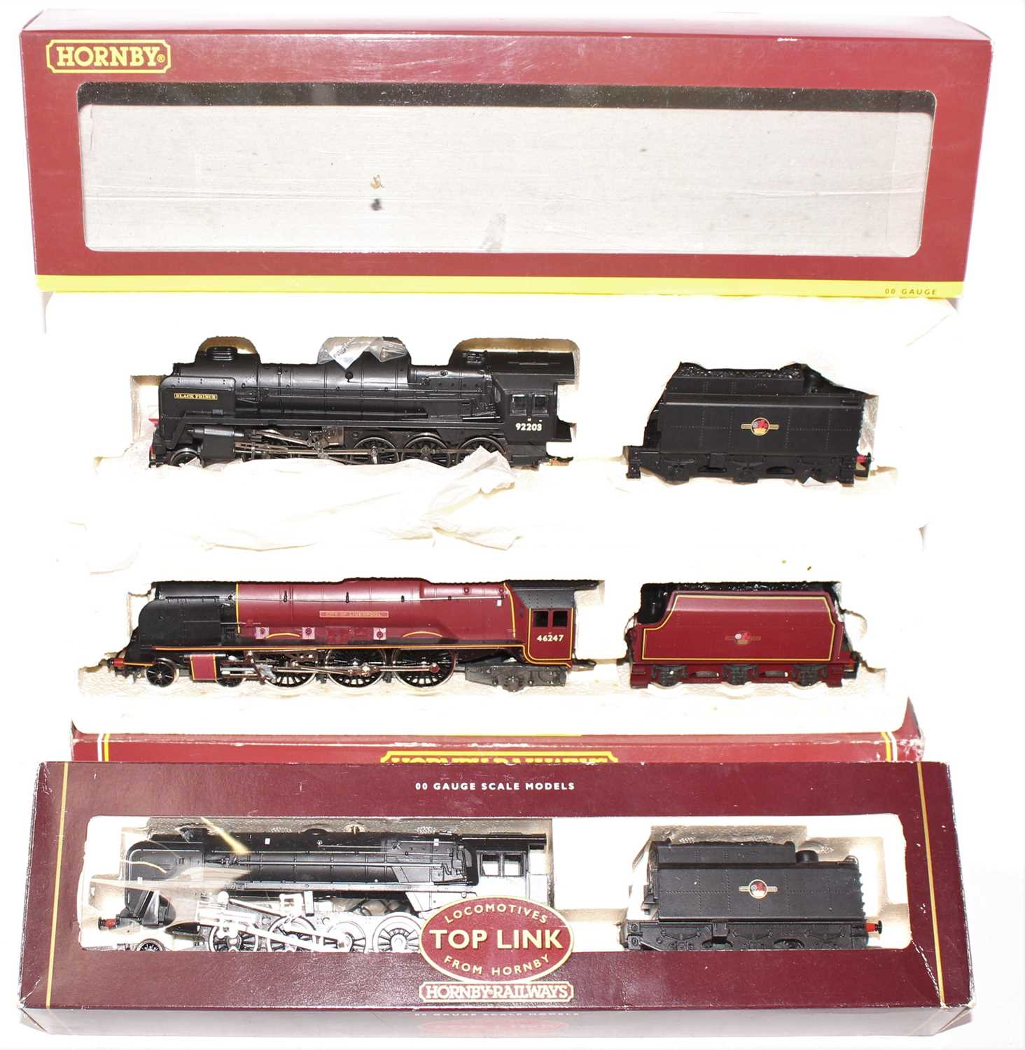 A Hornby Railways 00 gauge BR locomotive boxed group, to include a No. R2016 BR class 9F locomotive,