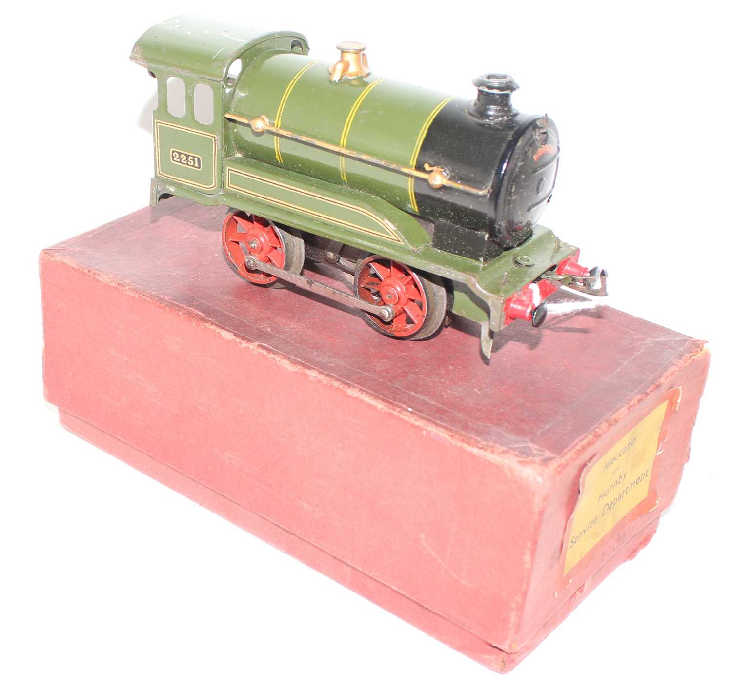 Hornby 1931-35 Clockwork No.0 revised body style 0-4-0 loco only, missing tender, GW Green, No. - Image 2 of 4
