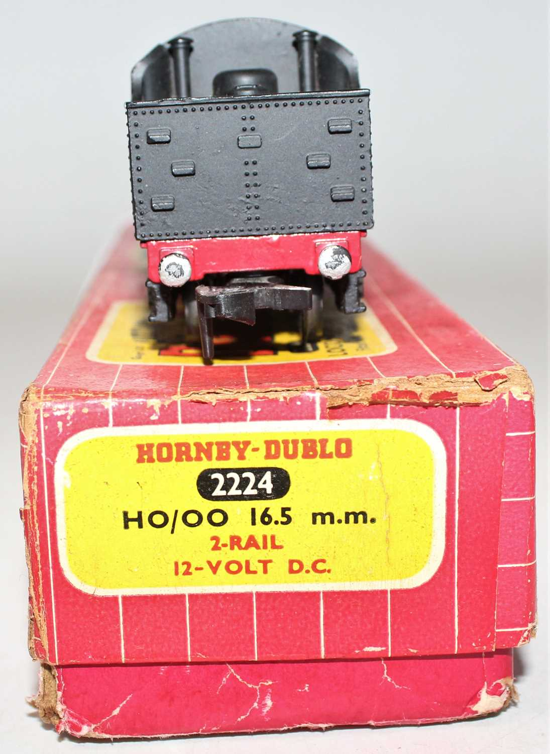 Hornby Dublo 2224 2-rail locomotive and tender 2-8-0 8F freight locomotive, BR 48073, ringfield - Image 4 of 4