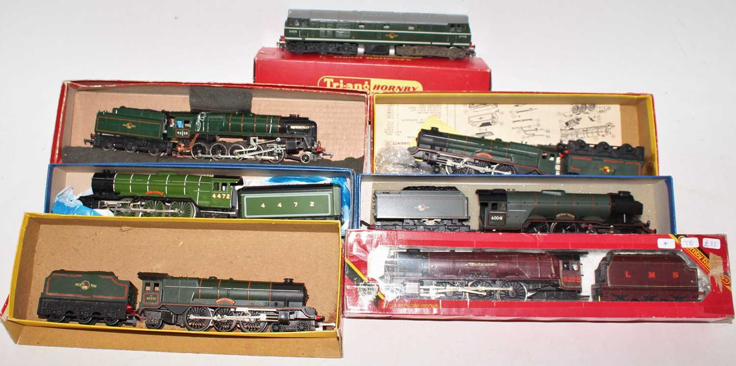 One tray containing seven various boxed, part boxed, and loose 00 gauge locomotives, to include a